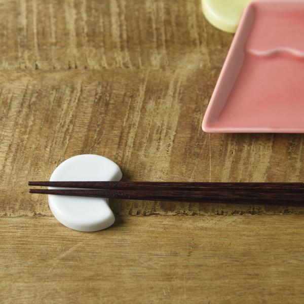 富士山と月と波 月 箸置き 白磁 [キャンセル・変更・返品不可]