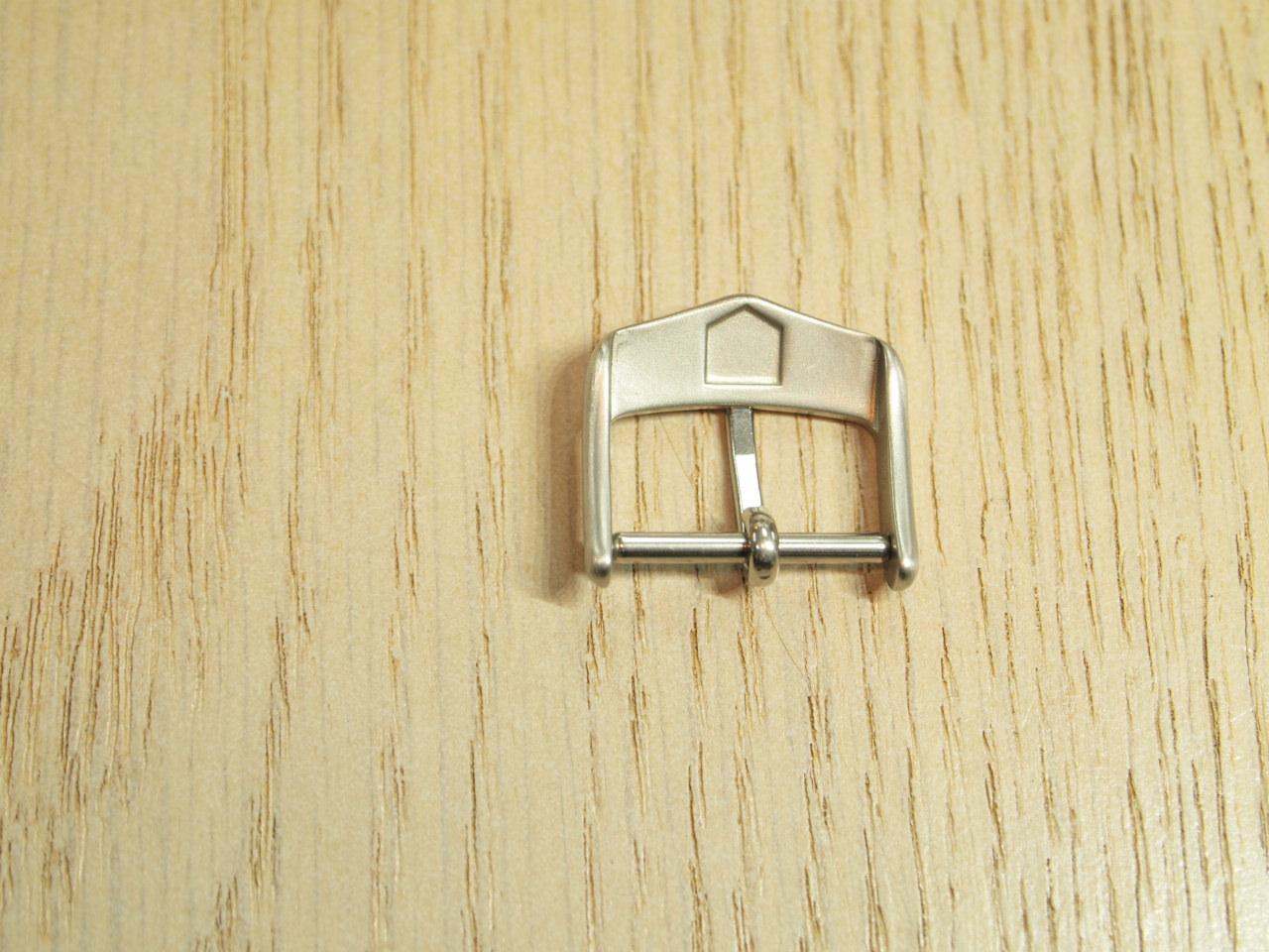 16 millimeters of TAG HEUER buckles