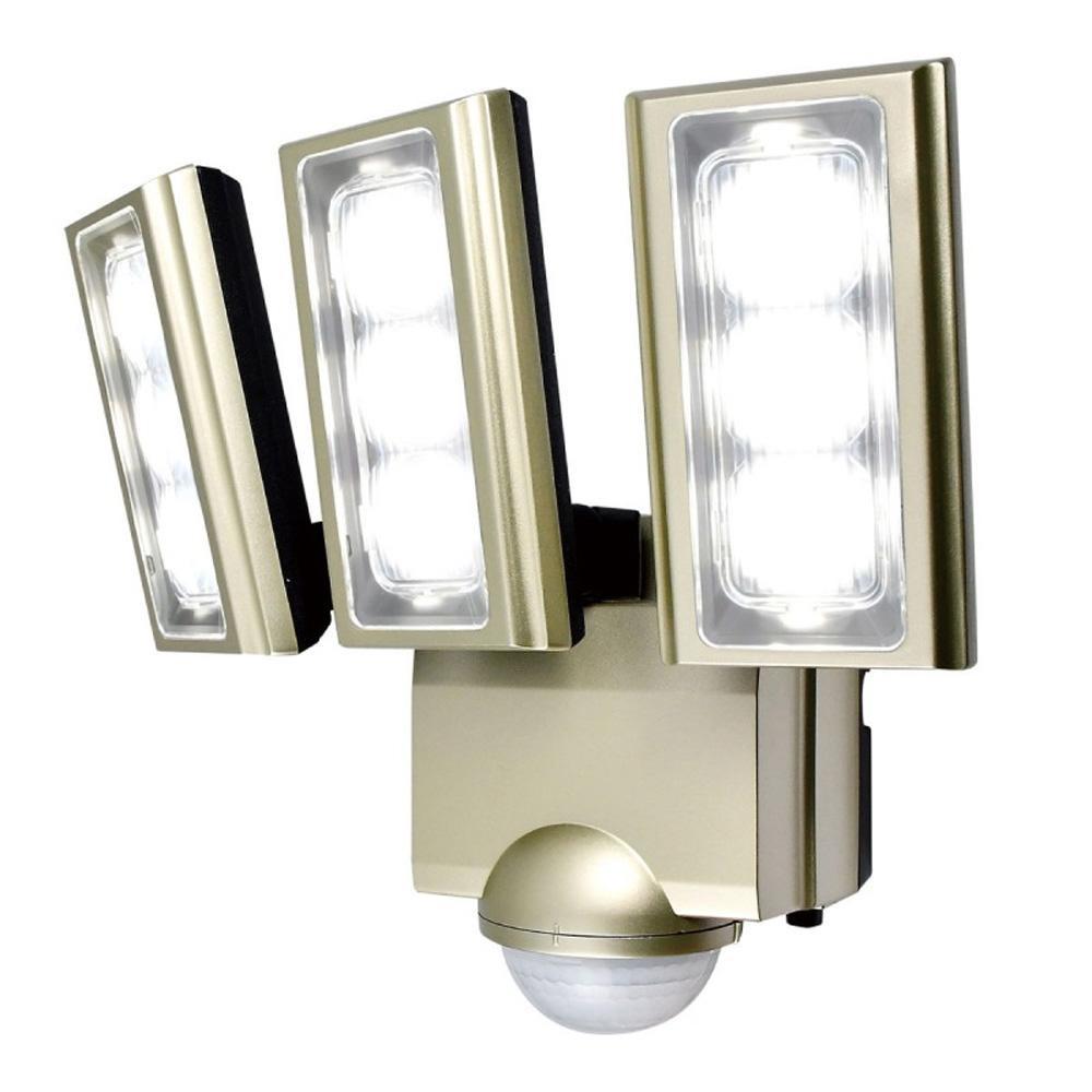 【クーポンあり】【送料無料】ELPA(エルパ) 屋外用LEDセンサーライト AC100V電源(コンセント式) ESL-ST1203AC センサーが人や車の動きを検知して自動点灯。