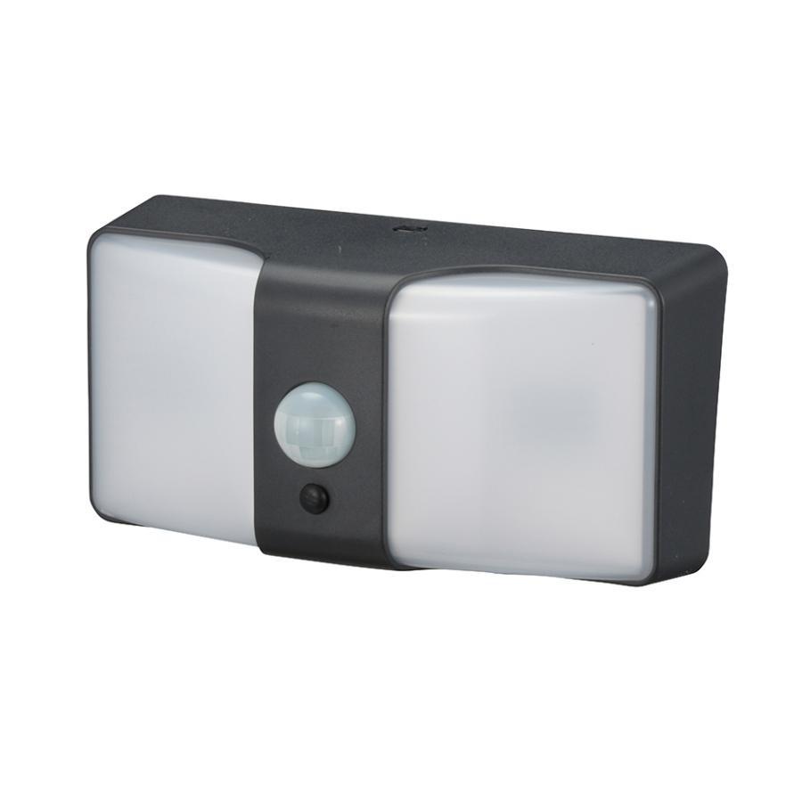 【クーポンあり】【送料無料】OHM monban LEDセンサーウォールライト ソーラー式 ブラック LS-SH24J4-K 玄関・庭先・駐車場などを明るく照らします。