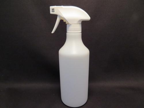 スタンダードなスプレーボトルです。 スプレーボトル 容器 500ml (半透明)