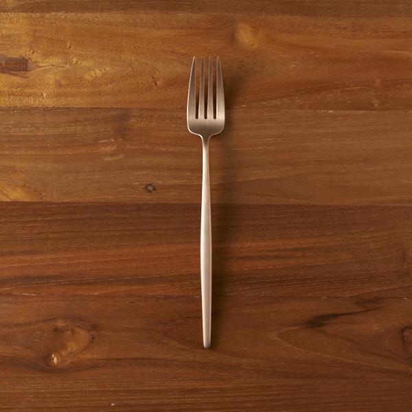 正規輸入品 クチポール cutipol ムーン メーカー在庫限り品 MOON アンバーゴールド カトラリー Cutipol MOON-AmberGold 赤銅色 ネコポス不可 ディナーフォーク 超定番 コッパー
