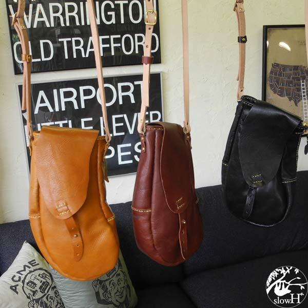 【オーダー商品※発送まで3~5営業日】◆slowH(スロウエイチ)◆縦長のカーブが特徴的なデザインのレザーポーチバッグ『Socks』3カラー【sh243】
