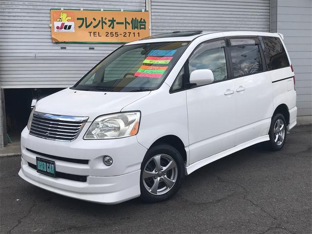 ノア X サンルーフ スライドドア ナビ エアロ 4WD AW(トヨタ)【中古】