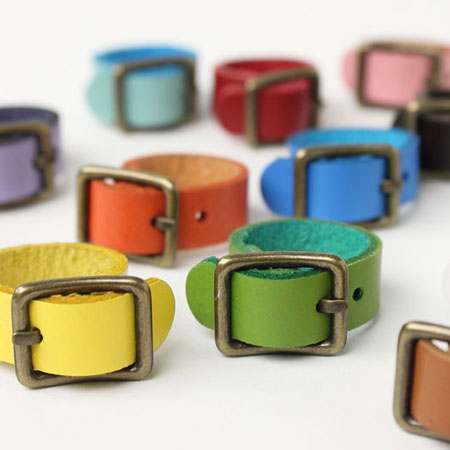 Belt-like antique leather ring ● leather leather Lady's buckle ring is  casual