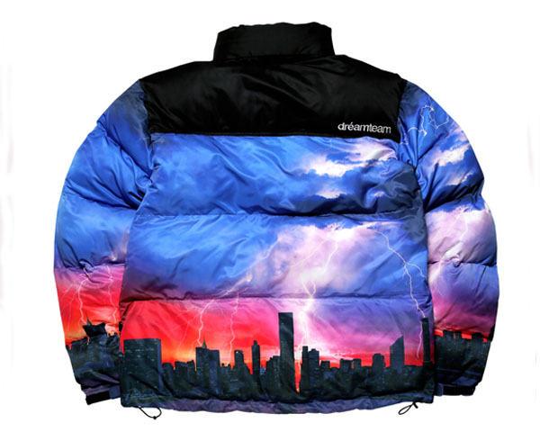 DREAM TEAM ドリームチーム DJ RYOW プロデュース DT LOGO Puffy Jacket 保温性バツグン たっぷり首元まで 中綿ジャケット メンズ 【DT-396 DT】
