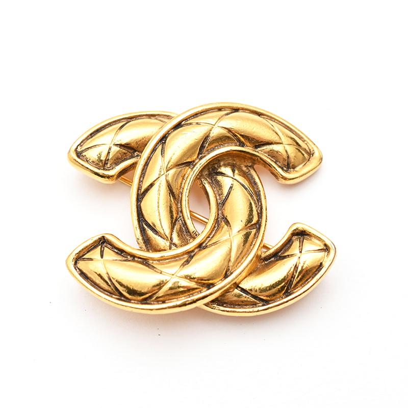 最新最全の 美品 シャネル CHANEL シャネル ココマーク P1513 マトラッセ ブローチ ゴールド P1513 CHANEL【】, 快適パラダイス:218595a8 --- annhanco.com