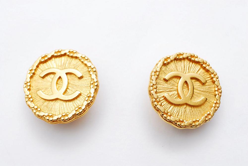 シャネル CHANEL ブローチ 送料無料 美品 中古 レディース ヴィンテージ P0284 ココマーク 定価 ゴールド 本物 94P 女性