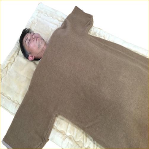 日本製 かいまき毛布 防寒 冷え対策 暖かい キャメル ウール 乾燥肌 国産 キャメル 肩口の隙間風対策 キャメル ウール かいまき 毛布 送料無料 ウールマーク付 あったか スリーパー 夜着毛布 袖付き毛布