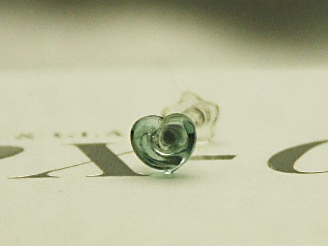数量限定 12Gガラスボディピアス手作り1点もの制作品 新作リリース特価 ボディピアス ☆12Gハートパイレックスガラス 35%OFF アイスブルー