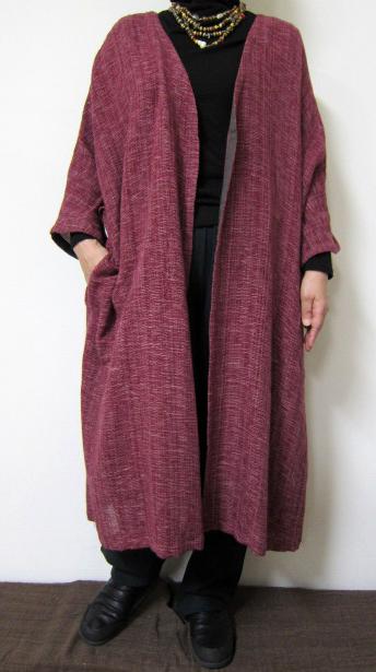大きいサイズ 日本製 個性的 送料無料 秋から春へ 旅先の記念写真はあなたが主役 40代.50代.60代.70代 5☆大好評 シニア 個性派 日時指定 レディースファッション ミセス 赤い綿ニットコート