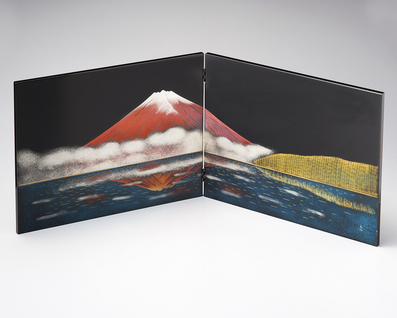 木製越前塗 立山彫富士山 二枚屏風 黒