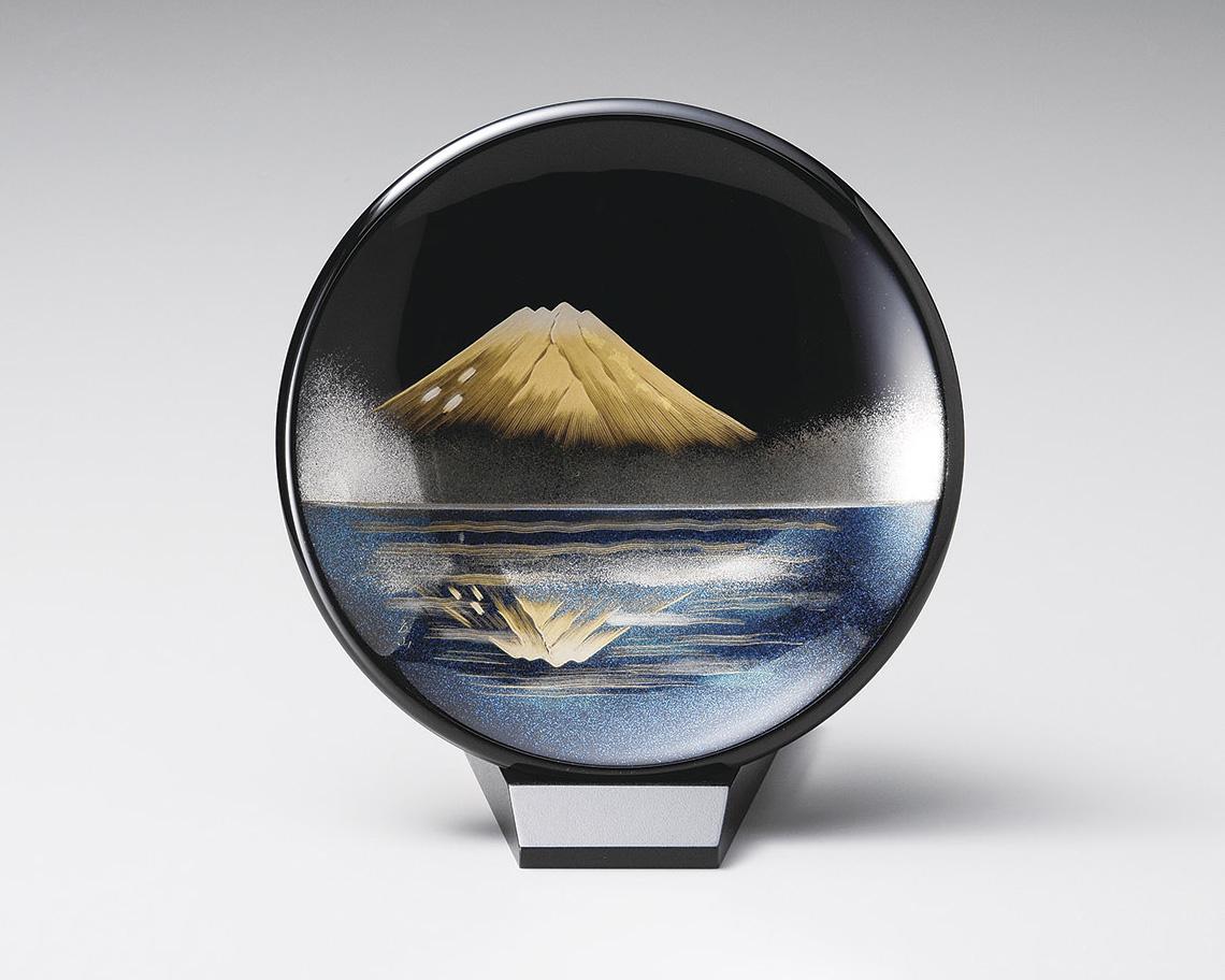木製越前塗 鏡金富士 飾り皿(小) スタンド付