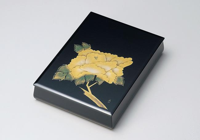 日展作家 冨田立山作 木製越前塗 沈金牡丹 板蓋文庫 内梨地A4サイズ 黒