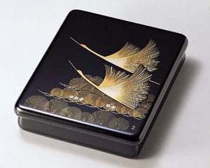 木製越前塗 沈金松に鶴 光琳文庫 黒 A4サイズ