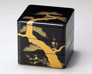 木製越前塗り 松竹梅蒔絵 6.5寸三段重箱 黒内朱