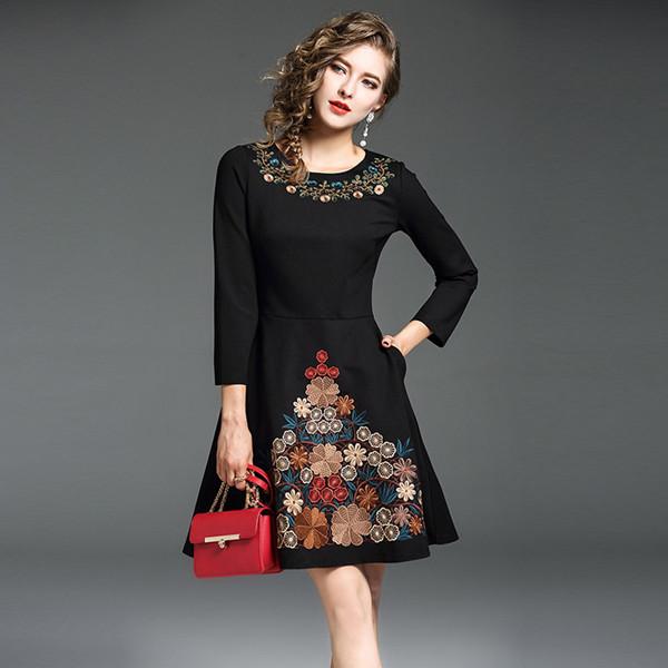 秋の女性の新しいファッション重い刺繍の刺繍黒自己栽培ワードドレス9点の袖