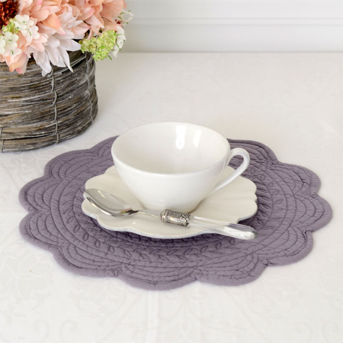 Feuille Place Mat Roundtable Boutis