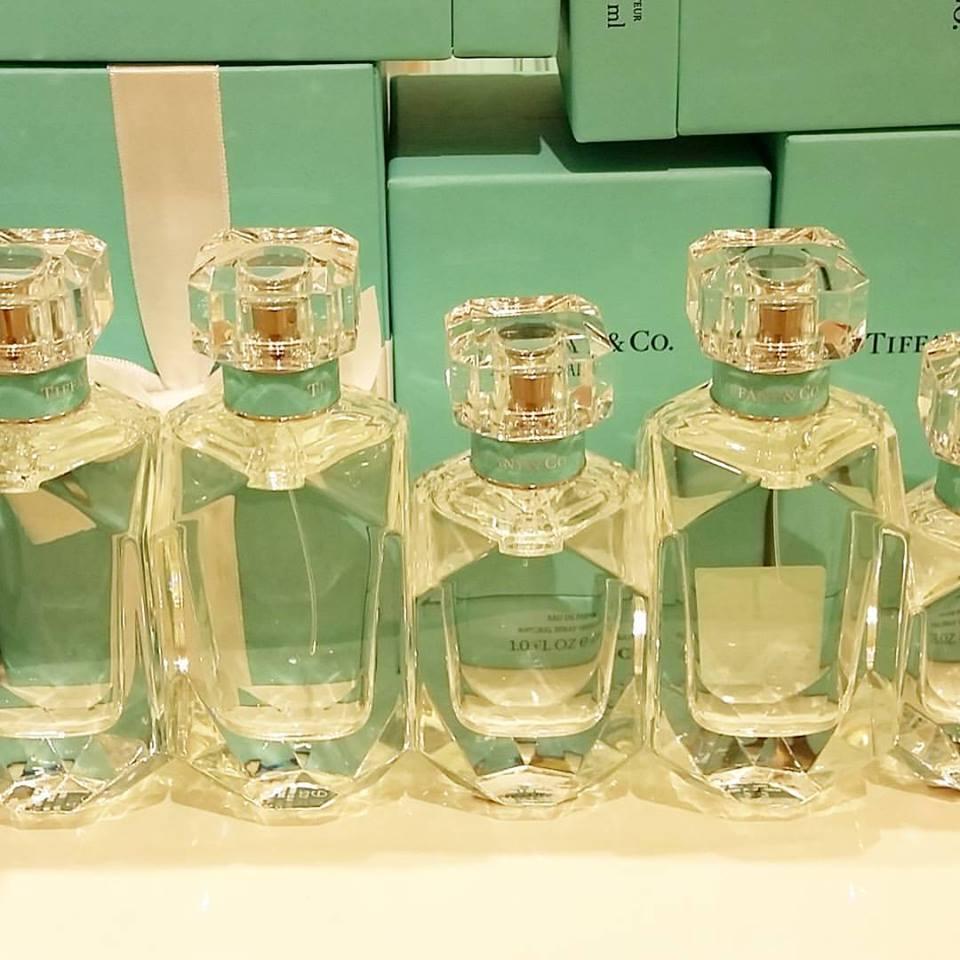 ティファニー オードパルファム Tiffany&Co ダイヤモンドカットのボトル ラッピング付き