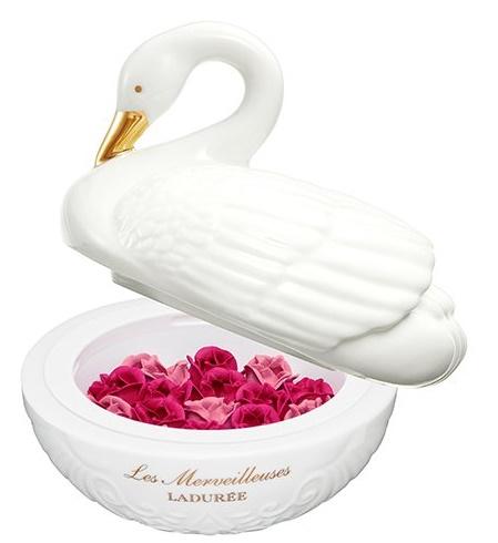 LADUREE  スワン 白鳥  ラデュレ   レ・メルヴェイユーズ  チーク  フェイスカラーローズ  バレンタイン ギフト プレゼントに 祝い サンプル付 福袋