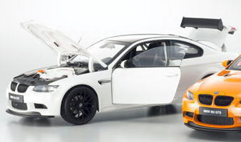 1/18 京商 KYOSHO BMW M3 GTS Alpine White ミニカー