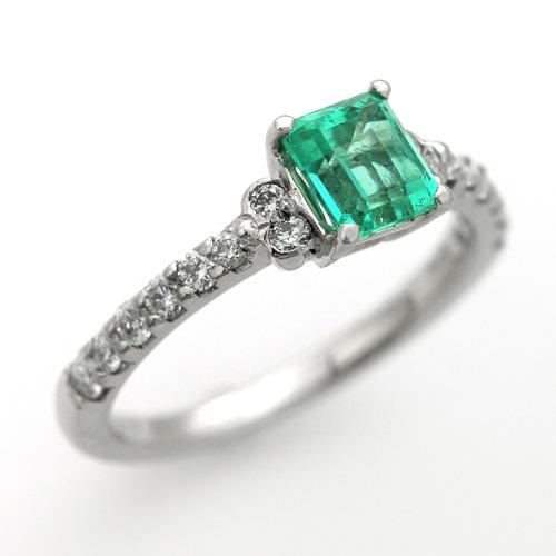プラチナ エメラルド 0.762ct ダイヤモンド入り 0.305ct エンゲージリング