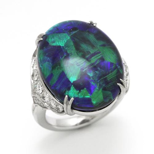 色が鮮やかに変化するブラックオパールを使用 プラチナ ブラックオパール 23.92ct ダイヤモンド 0.90ct リング