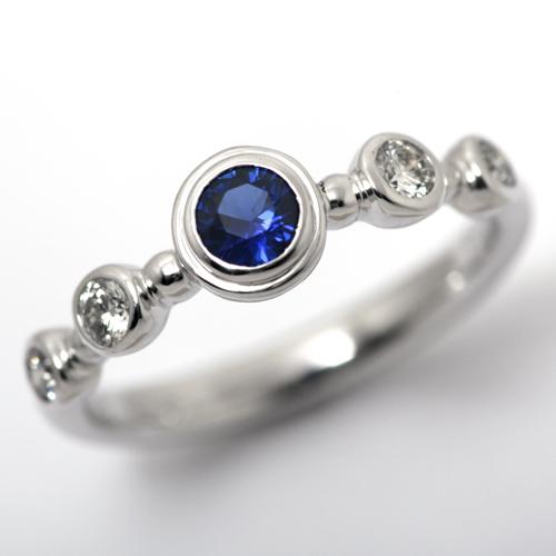 プラチナ ロイヤルブルー サファイア 0.298ct ダイヤモンド 0.245ct エンゲージリング