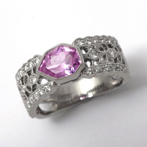 プラチナ ピンクサファイア 1.15ct ダイヤモンド 0.36ct リング