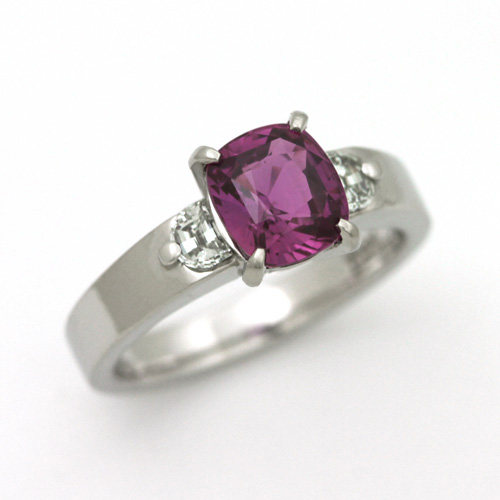 プラチナ パープルサファイア 2.12ct ダイヤモンド 0.325ct エンゲージリング