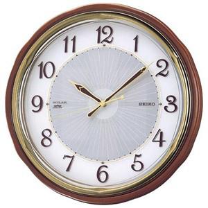 セイコー ソーラー電波掛け時計「ソーラープラス」 SF221B