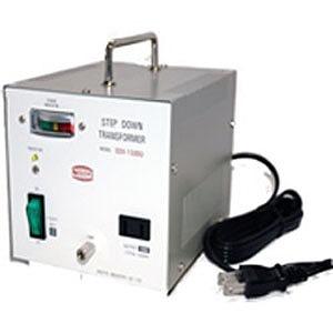 日章工業 変圧器「トランスフォーマ SDXシリーズ」(110/120V・600W) SDX‐600U