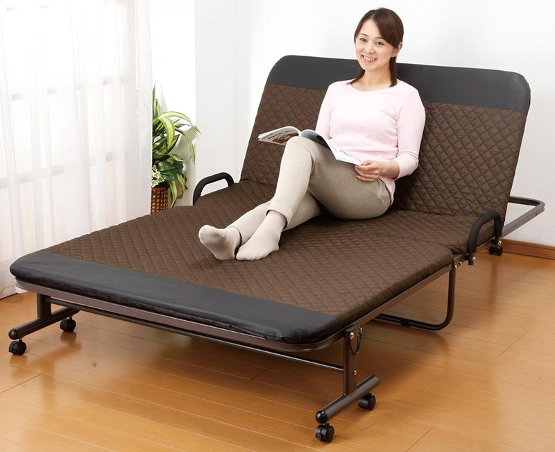 コンパクト収納できる便利なリクライニング仕様のベッド。 収納式 リクライニングベッド 14段階 シングルサイズ 折りたたみ キャスター付き 移動式 敷き布団対応