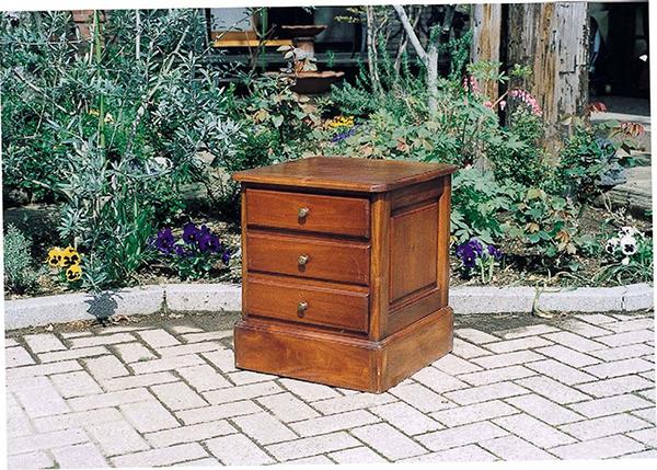 チェスト アンティーク 木製 収納 コンパクト サイドテーブル ナイトテーブル クラシック 上品 おしゃれ レトロ モダン 高級感
