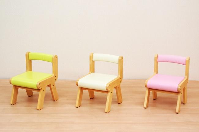 キッズチェア ローチェア 木製 かわいい おしゃれ 子供用チェア チャイルドチェア 椅子 子供椅子 子供用椅子 イス リビング 子供部屋 ギフト 男の子 PVCチェアー 海外限定 子ども部屋 天然木 キッズ用チェア アイボリー チェアー 女の子 子供用いす キッズ 蔵 コンパクト プレゼント 小さい キッズ用椅子