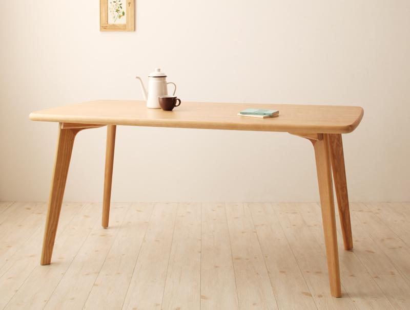 天板の角に丸みをつけることでぶつかっても衝撃が少ないように設計しました テーブル単品 幅150cm 天然木ウィンザーチェアダイニング ダイニングテーブル 木目 アッシュ突板 送料無料 天然木ウィンザーダイニング Cocon ココン 天然木アッシュ突板 おしゃれ つくえ カフェテーブル 机 4人用 人気 木製テーブル リビングダイニング 人気ブレゼント 食卓テーブル 食卓 かわいい 結婚祝い