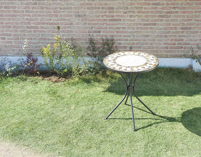 (送料無料) ガーデン テーブル単品 (ホワイト) 幅61×奥行61cm モザイクデザイン アイアンガーデンファニチャー バイア テーブル テラス ベランダ 屋外 2人掛け 2人用 コンパクト おしゃれ