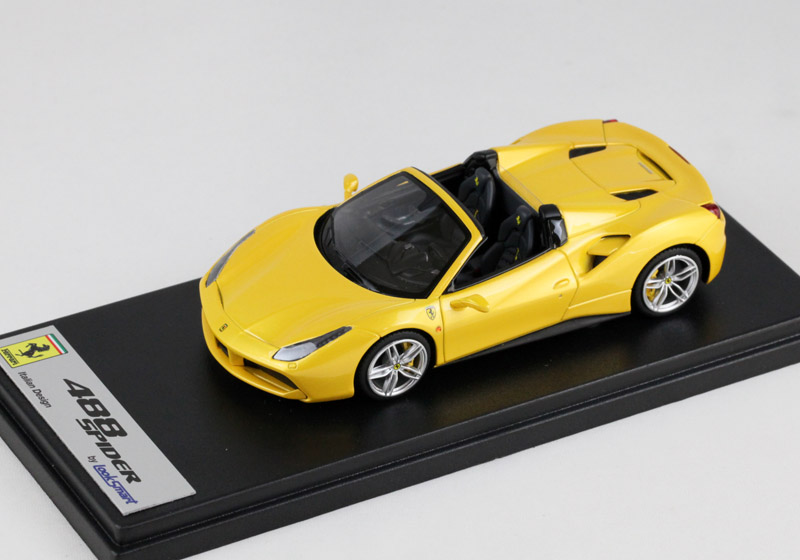 LOOKSMART LS451D フェラーリ 488 Spider /Giallo Tristrato (パールイエロー)