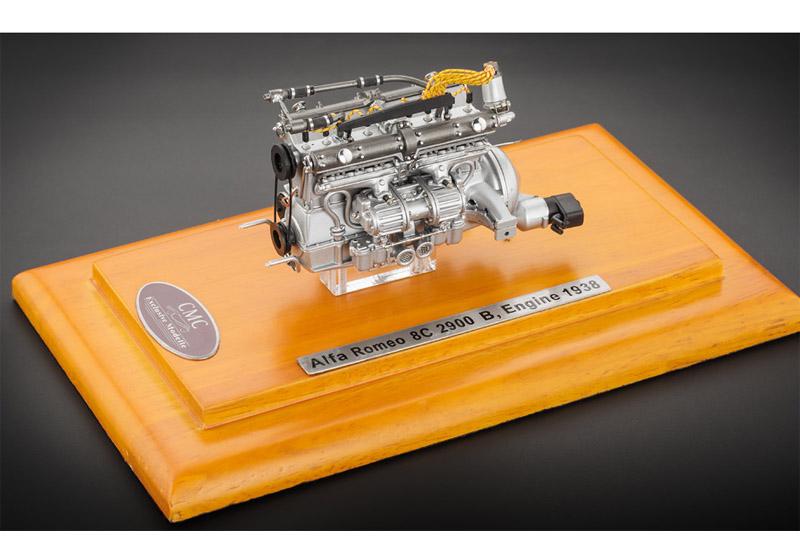 CMC 1/18完成品 M131 1/18 アルファロメオ 8C 2900B エンジン ディスプレイケース付き