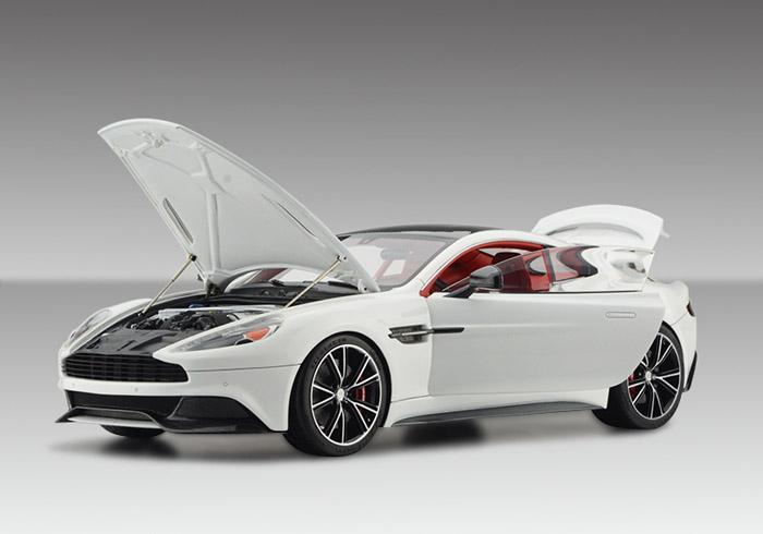 FrontiArt/フロンティアート 1/18完成品 アストンマーチン Vanquish coupe フル開閉 パールホワイト