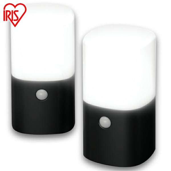 送料無料 アイリスオーヤマ 電池式LEDガーデンセンサーライト 角型 ZSL-MN1K-BKS2 【お得な2個セット】 [cpir]