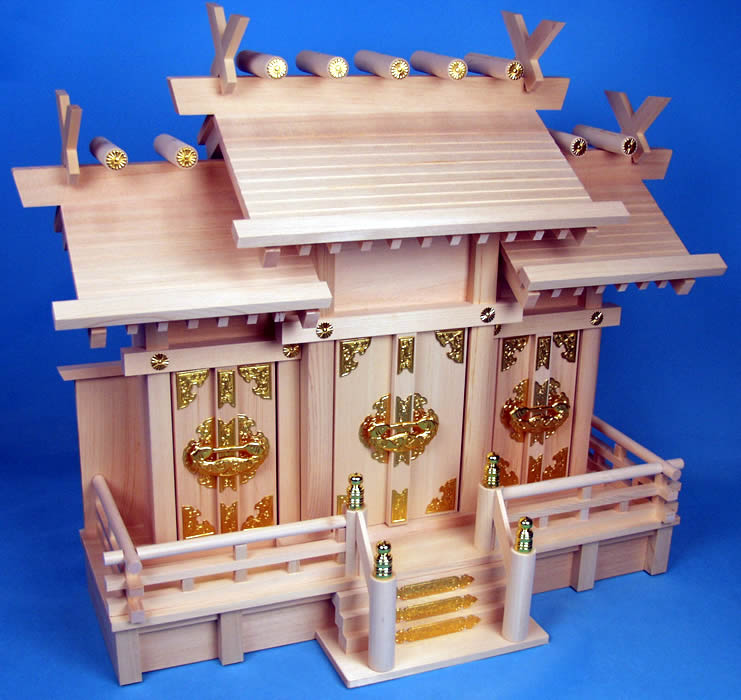 【送料無料】神棚-板葺屋根違三社 小サイズ 桧、他使用。伊勢神宮の街、伊勢市から発送【smtb-k】