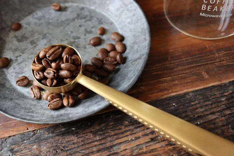 コーヒー雑貨 即納最大半額 コーヒーグッズ コーヒー シンプルライフ コーヒー好きハンドドリップコーヒー コーヒースプーン クリップ付きコーヒーメジャースプーン ゴールドブラス キッチン雑貨 BONOBONO 数量限定 クリップ