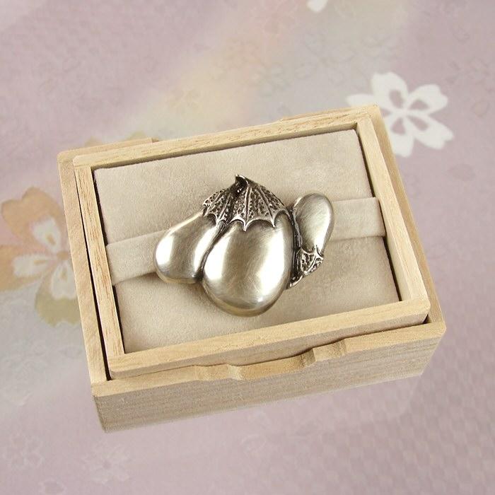 真鍮帯留め(帯留) なす 結婚式 訪問着 小紋 花しおり シルバー