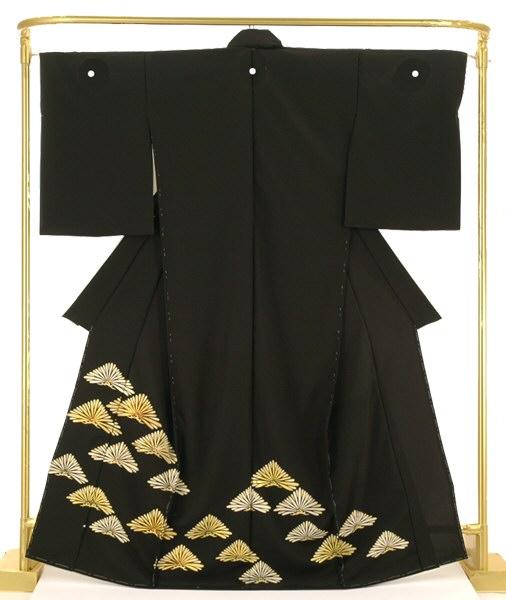 正絹金彩黒留袖 松鱗文 結婚式 卒業式 フォーマル 和装 着物