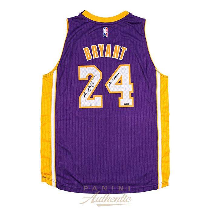 コービー・ブライアント 直筆サイン入り レイカーズ ユニフォーム パープル NBA 世界124枚限定生産 【フレームなし】 / Kobe Bryant Autographed Purple Swingman Jersey with