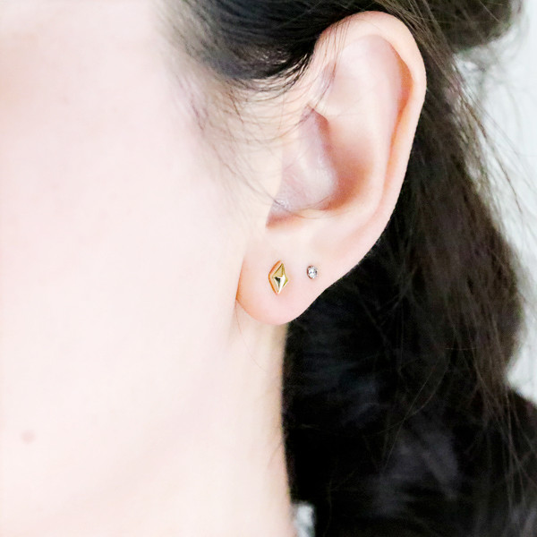 Stud Bolt Pierced Earrings Second Pierced Earrings One Pair Ralulu Shu Of The K18 Gold Diamond