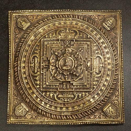【一点物】チベット密教 曼荼羅(マンダラ) 9ブッダ 壁掛け|真言(マントラ)|真鍮【送料無料】