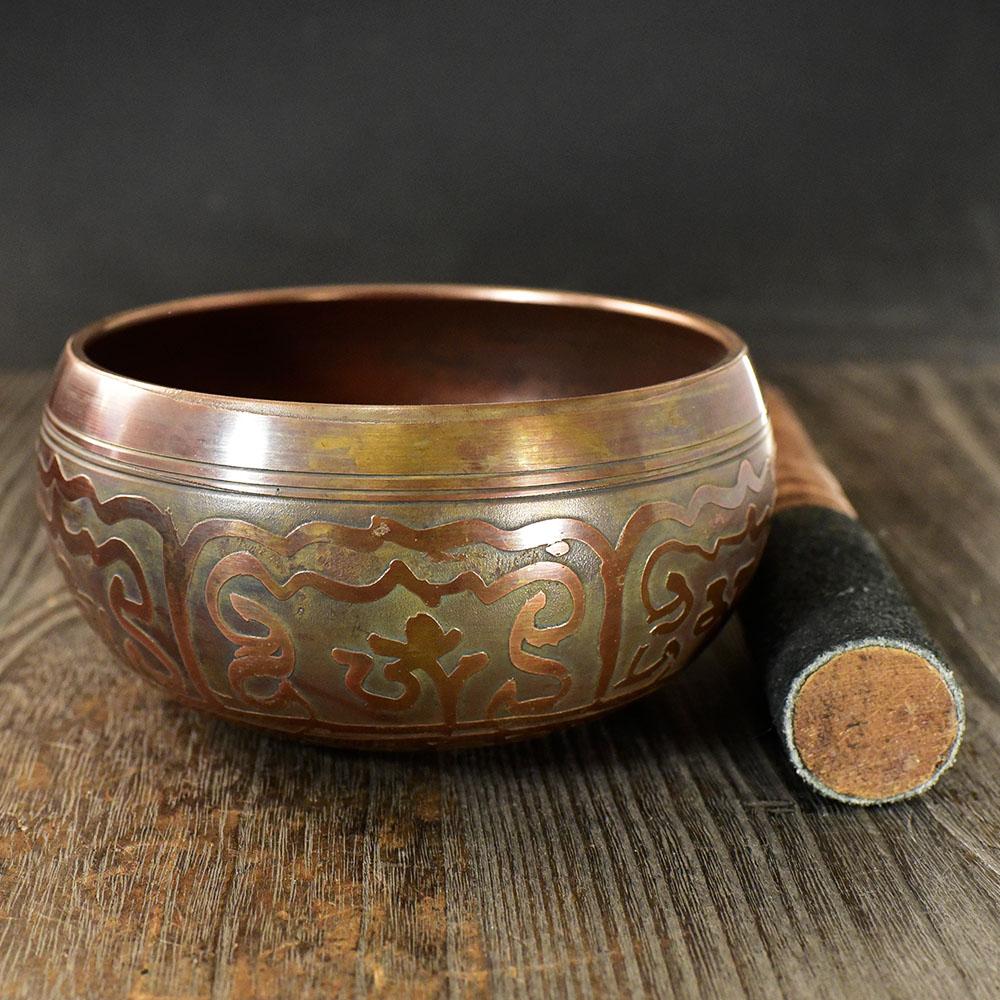 【一点物】【高音質】チベット密教 シンギングボール 法具 スティック付 直径:11.5cm 重さ:463g|シンギングボウル|楽器|瞑想|手作り¬