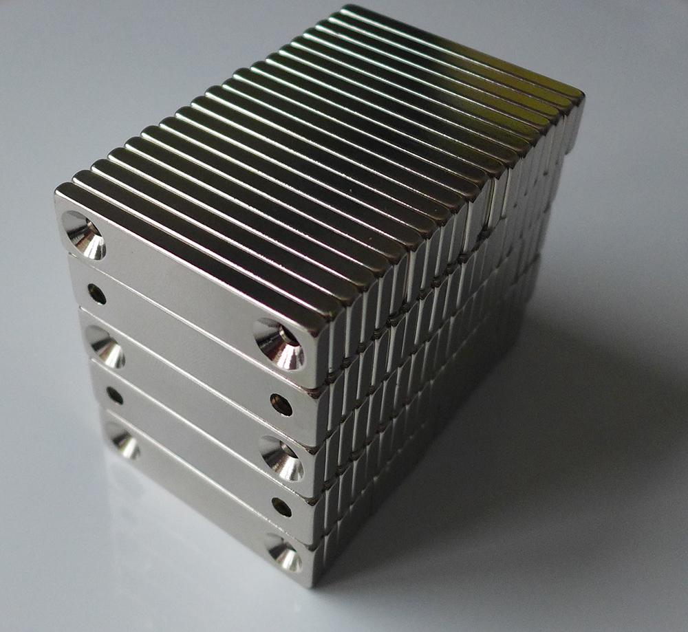 ネオジム磁石 角型皿穴付き40mm×10mm×3mm(N35) 100個セット超強力 マグネット 強力磁石皿ネジで固定できるのでいろいろ使えます。木工・プラモデル・日曜大工・工作・DIY・釣り・車・バイク・紙留め・実験